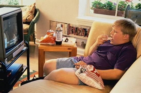 Ngồi nhiều làm tăng nguy cơ mỡ quanh tim
