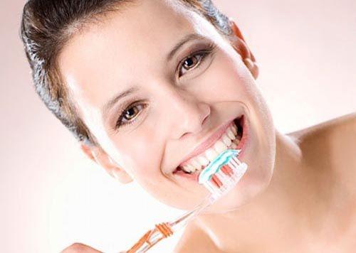 Răng sứ gây hôi miệng - Chỉ bạn cách ngăn chặn và giải quyết 3